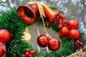 Фотографии Рождество Ветвь Шарики Колокольчик Бантик
