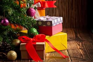 Обои Новый год Елка Шар Бантики Коробка Подарки