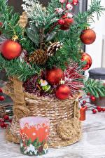 Картинки Новый год Новогодняя ёлка Шар Шишка