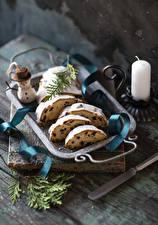 Картинки Рождество Кекс Свечи Изюм Снеговики Еда