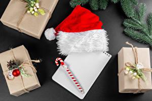 Картинки Рождество Шаблон поздравительной открытки Блокнот Шариковая ручка Подарки Шапка На ветке Шар