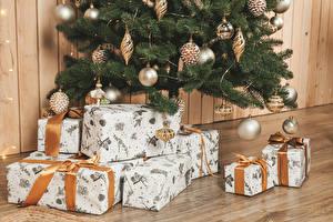 Фотографии Рождество Стены Новогодняя ёлка Шар Подарков