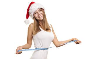 Обои для рабочего стола Новый год Белый фон Поза Смотрит Улыбка Рука Шапки Измерительная лента девушка