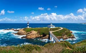 Картинки Франция Берег Море Маяки Облачно Faro Illa Pancha