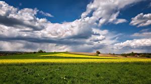 Обои для рабочего стола Германия Поля Пейзаж Бавария Облака Природа