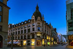 Фото Германия Дома Вечер Улице Уличные фонари Leipzig Города