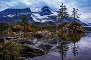 Картинки Германия Гора Озеро Камень Альп Скале Деревьев Hintersee Природа
