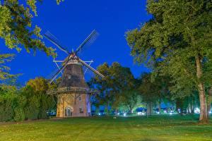 Картинка Германия Ночь Трава Деревьев Мельницы Bad Zwischenahnн, Lower Saxony город