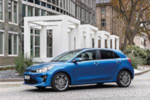 Фотографии KIA Синие Металлик Сбоку Rio Worldwide, (YB), 2020 Автомобили