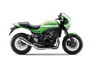 Фотография Кавасаки Зеленый Сбоку Белый фон Z900RS Cafe, 2018 Мотоциклы