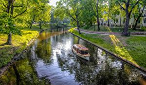 Картинка Латвия Парк Катера HDRI Водный канал Деревья Riga