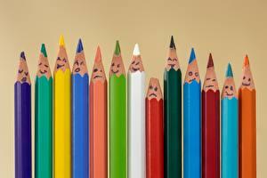 Картинки Много Смайлики Цветной фон Карандаши Разноцветные