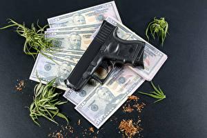 Картинки Деньги Доллары Банкноты Пистолеты