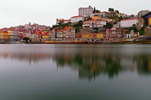 Фото Порту Португалия Здания Речка Причалы Речные суда
