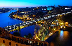 Обои Португалия Порту Реки Вечер Мосты Дома Уличные фонари Города