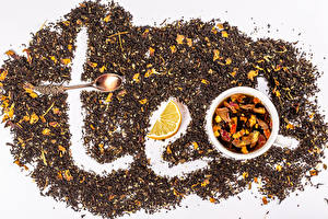 Картинка Чай Лимоны Белом фоне Чашке Ложки Зерна Слова Английский Пища