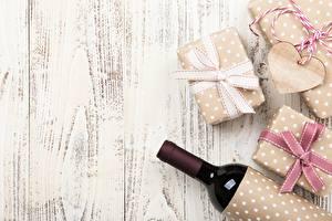 Картинки Шаблон поздравительной открытки Бутылка Подарков