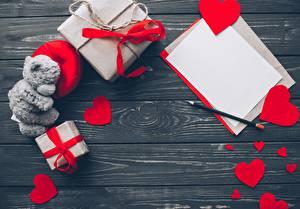Фотографии День святого Валентина Подарок Серце Доски Шаблон поздравительной открытки