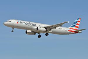 Картинки Airbus Самолеты Пассажирские Самолеты Летит A321, American Airlines