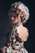 Фотографии Азиатка Ретро Платье Спины Прически Девушки