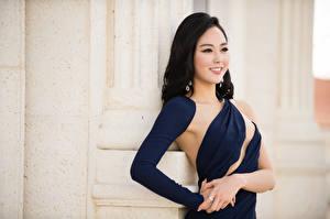 Обои Азиатки Брюнетка Смотрит Улыбка Платья Рука Yoo Ye-bin Знаменитости Девушки