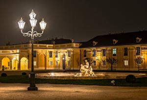 Картинки Австрия Вена Скульптура Дворец В ночи Уличные фонари Schönbrunn Palace
