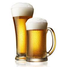 Фотографии Пиво Пеной Кружка 2 Белым фоном Пища