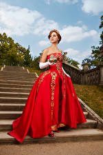 Фотографии Корона Михаил Давыдов фотограф Лестница Поза Платье Косплей Anastasia девушка