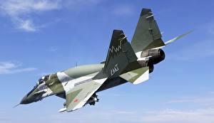 Обои Истребители Самолеты Летящий Русские МиГ-29 Mig-29smt Авиация