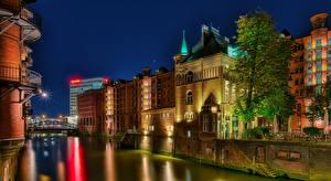 Картинки Германия Гамбург Здания Речка Ночью Лестница Лучи света