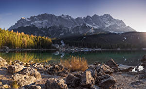 Картинки Германия Горы Озеро Камни Альп Бавария Eibsee Природа