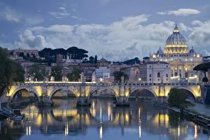 Картинки Италия Рим Храм Вечер Речка Мосты Церковь Дома San Pietro Города