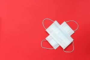 Фотографии Маски Коронавирус Красный фон Шаблон поздравительной открытки