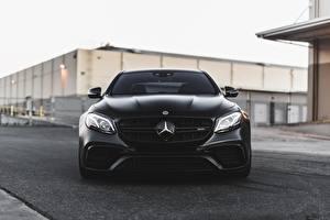 Картинка Mercedes-Benz Спереди Черных AMG E63 авто