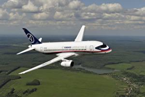 Фотография Самолеты Пассажирские Самолеты Полет Российские Sukhoi Superjet 100