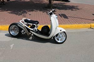 Обои Скутер Белый SparkyGT Honda Города картинки