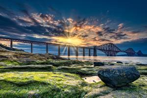Фотография Шотландия Мосты Побережье Камень Рассветы и закаты Залива HDRI Лучи света Forth Bridge
