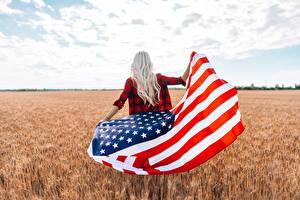 Фотография США Поля Флаг Блондинки Вид сзади девушка