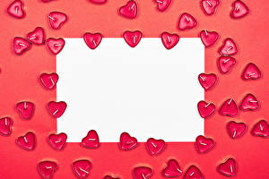Фотография День всех влюблённых Свечи Красный фон Шаблон поздравительной открытки Лист бумаги Сердечко