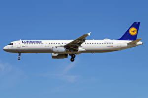 Обои Airbus Самолеты Пассажирские Самолеты Сбоку A321-200, Lufthansa