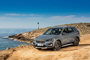 Фото BMW Серые Металлик CUV 2019-20 X1 xDrive25e xLine Worldwide автомобиль
