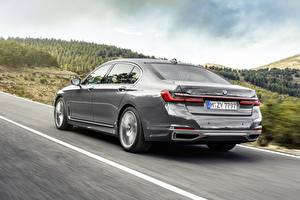 Картинки BMW Сзади Серая 7 Series G12 G11 facelift 750 Li Автомобили