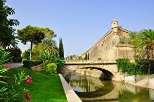 Картинка Мосты Крепость Испания Водный канал Palma de Mallorca, Balearic Islands