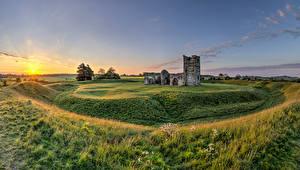 Картинка Англия Развалины Церковь Рассветы и закаты Солнце Knowlton Church Природа