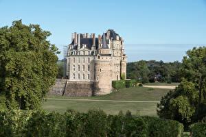 Картинка Франция Замки Chateau de Brissac город