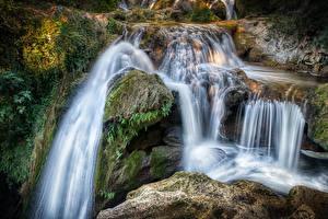 Картинка Франция Водопады Скала Мох Ручей Carcès Природа
