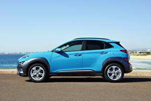 Фото Хендай CUV Голубой Металлик Сбоку Kona Elite, AU-spec, (OS), 2021 автомобиль