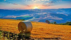 Обои Италия Поля Пейзаж Рассветы и закаты Солома Campania