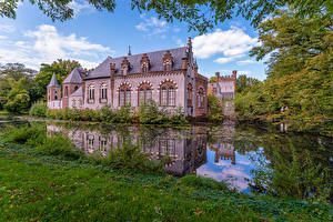 Картинки Нидерланды Замок Пруд Дерево Stapelen Castle, Boxtel Города