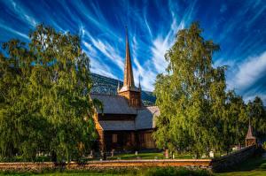 Обои Норвегия Церковь Дерево Lom город